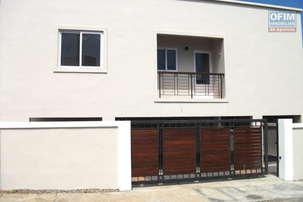 Cascavelle, jolie appartement neuf 2 chambres non meublé à louer en long terme.