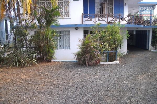 A louer en long terme à Flic en flac, appartement 2 chambres dans le secteur de l'église St-Marc.
