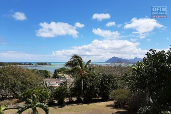 Le Morne à louer charmante maison de 3 chambres avec piscine offrant une très belle vue sur le lagon du Morne.