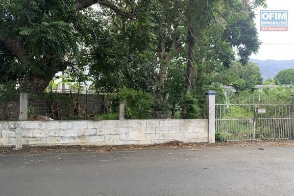 Quatre Bornes à vendre terrain de 605M2 ou 159 Toises dans la région Vieux Quatre-Bornes proche de la Rue Victoria, un emplacement idéal.