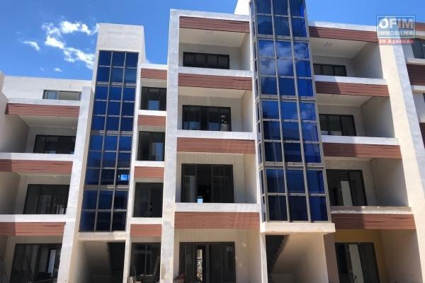 Accessible aux étrangers et aux mauriciens: À vendre 16 appartements de standing situé à 250 mètres de la plage de Trou aux Biches, éligible à l'achat aux étrangers et aux mauriciens.
