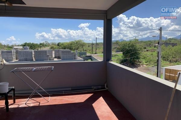 Albion à vendre studio de 46M2 avec mezzanine avec piscine commune, situé proche du Phare dans un quartier calme.