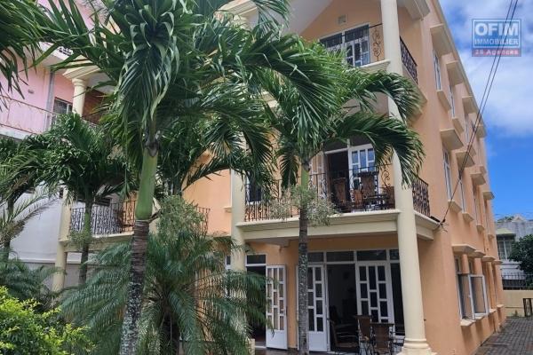A vendre une résidence hôtelière à Mont Choisy à deux pas de la plage, d'une superette, restaurants