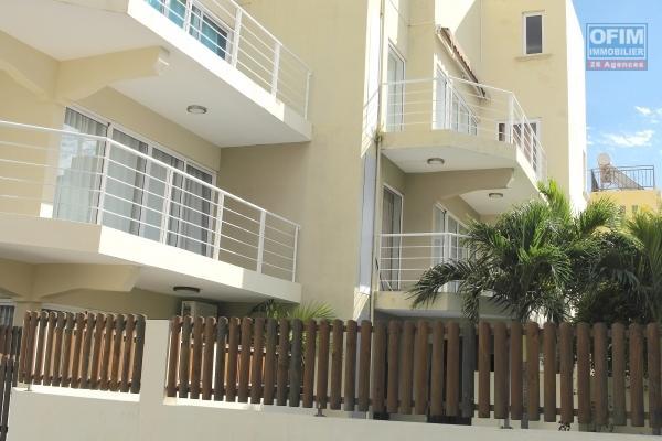 Flic en Flac location appartement récent 3 chambres avec piscine dans quartier calme proche commerces et plage