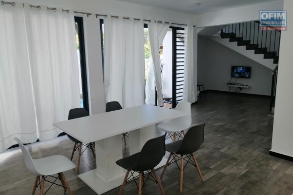 Vente villa neuve F4 contemporaine à 250 mètres de la mer et proche de toutes commodités.
