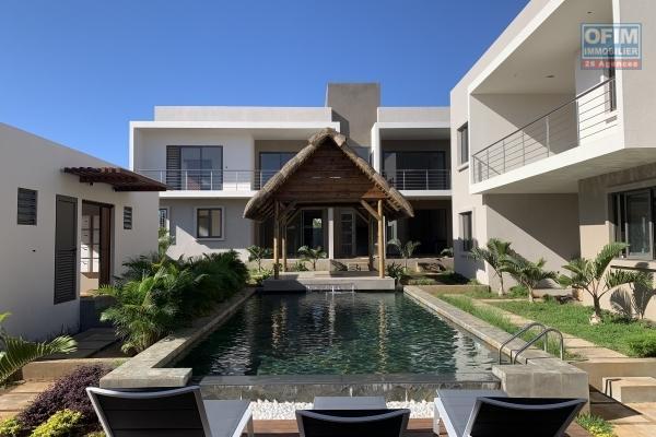 Flic en Flac à louer magnifique appartement 3 chambres avec piscine, jacuzzi et une vue époustouflante situé dans une résidence sécurisée.