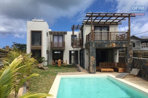 Vente villa neuve de 180 m2 habitable sur 429 m2 de terrain à Bain Bœuf (200M de la plage).