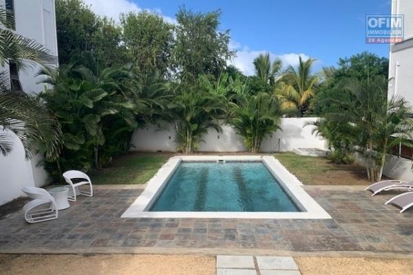 Rivière Noire vente appartement de 3 chambres accessible aux étrangers situé dans une résidence sécurisée avec piscine.