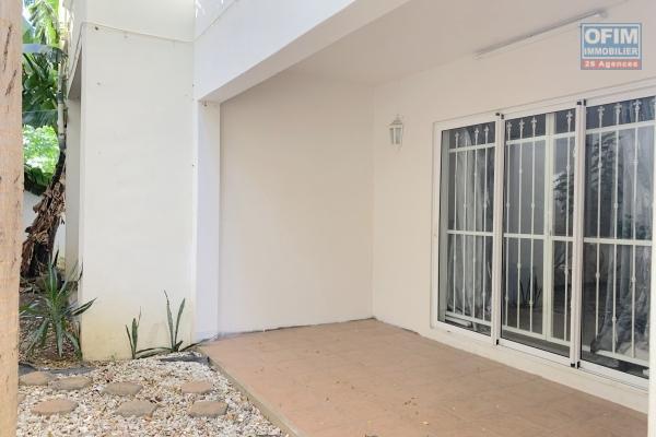 Flic en Flac à louer appartement 3 chambres situé au rez-de-chaussée à 2 minutes de la plage et des commerces au calme.