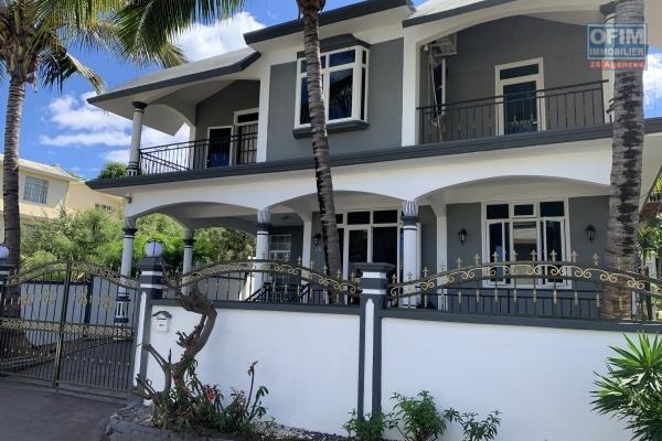 Flic en Flac à louer villa 3 chambres située dans un quartier calme à 5 minutes des commerces et de la plage.