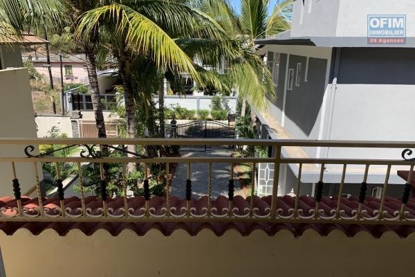 Flic en Flac à louer appartement 2chambres situé dans un quartier calme à 5 minutes de la plage et des commerces.