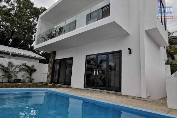 A vendre deux très belles villas très bien situées à Trou aux Biches dans un endroit très résidentiel à 10 minutes à pieds de la mer et de toutes commodités.
