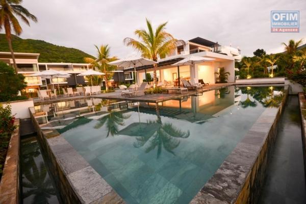 A louer superbe appartement dans une résidence de prestige au bord de l'océan.