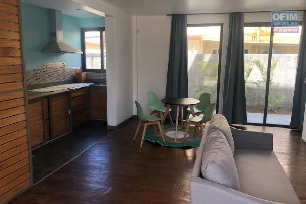 A vendre un bien unique aux normes européennes, alliant écologie, confort et technologie dans un programme de 5 appartements à Bain Bœuf  à 2 mn de la plage, accessible à l'achat aux étrangers et aux Mauriciens avec un permis de résidence permanent