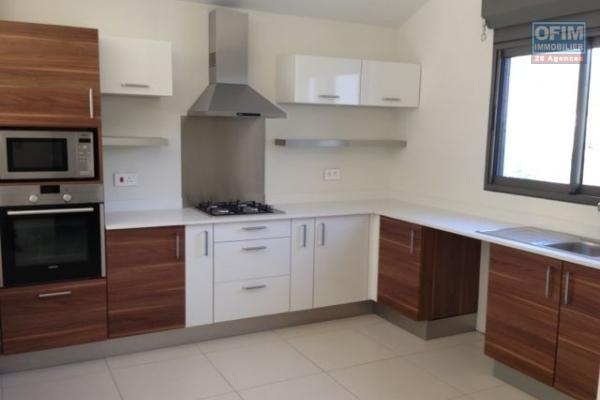 Tamarin à vendre maison de 4 chambres située dans un morcellement résidentiel.