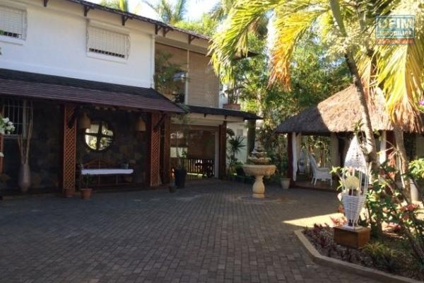 Magnifique villa F5 à vendre avec piscine à Trou Aux Biches