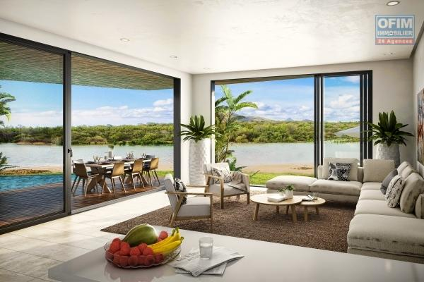 Rivière Noire splendide appartement 3 chambres et d'une superficie de 272M2 situé au rez de chaussé face à la plage.