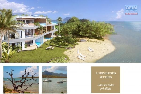 Unique appartement pieds dans l'eau en toute propriété de 3 chambres à coucher accessible aux étrangers sur un îlot privé à Rivière Noire, île Maurice.